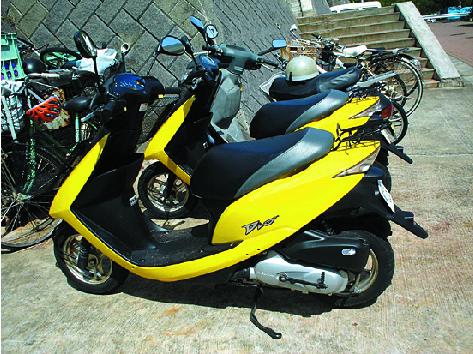 Rental motorbikes : Anna Beach Hahajima Youth Hostel